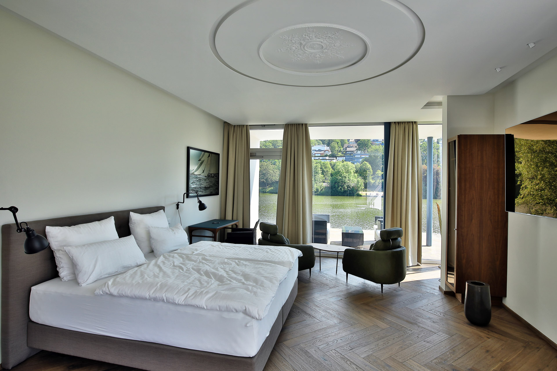 MotelplusHotel BiggeSeefront JuniorSuite Zimmer